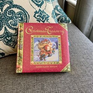 Christmas Treasury Family Classic Gilded Hardcover